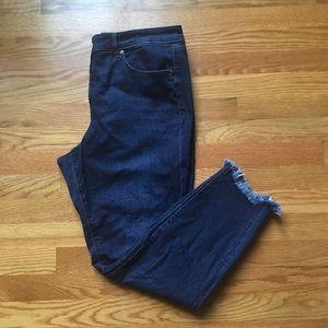 LOFT Dark Wash Chewed Hem Curvy Skinny Jeans